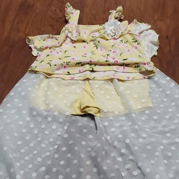 Girls size 6 yellow floral skort set